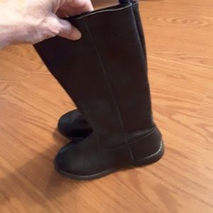 GAP Shoes - GAP girl's black leather boots size 3 low heel